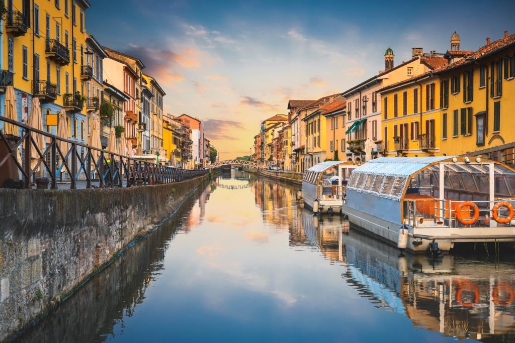 Golden Touch Invites You to Create Abundance in Castello di Milan, Italy
